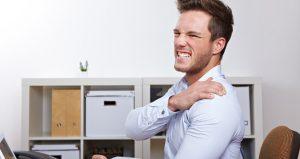 Skulder impingement på en arbejdsmand