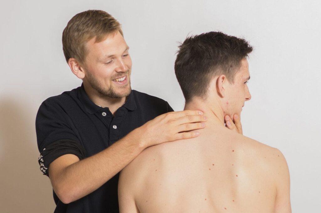 Benjamin er fysioterapeut i Aarhus